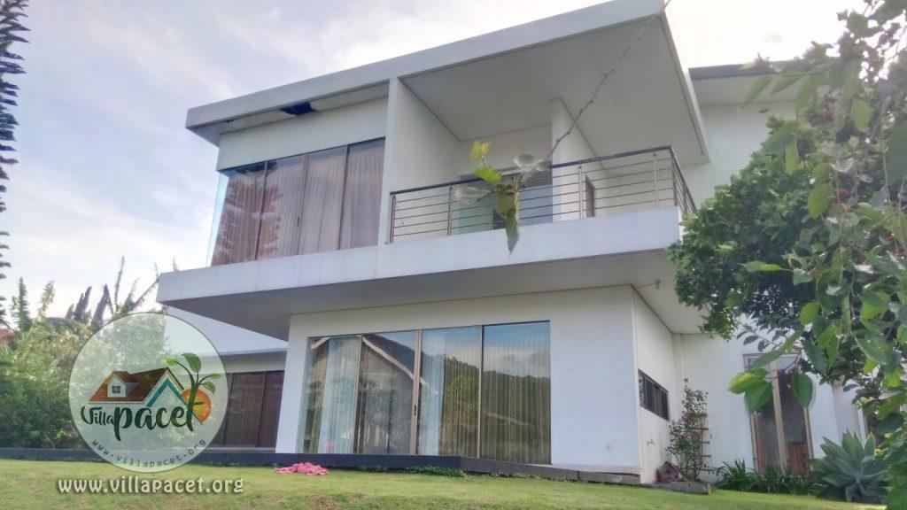 desain bangunan modern villa aris pacet