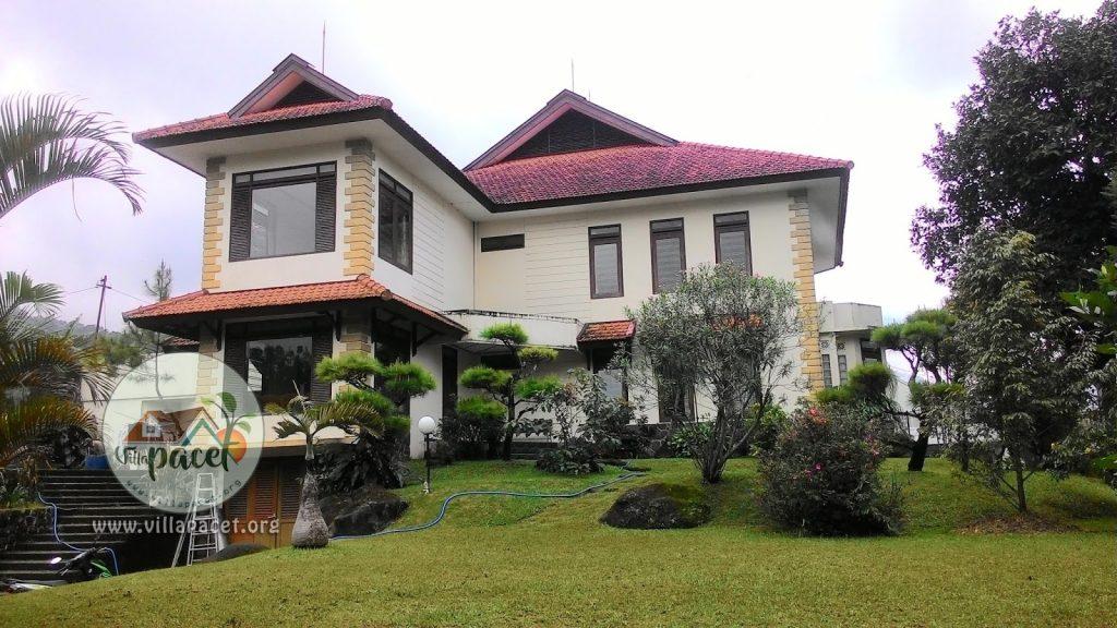 bergaya modern bangunan villa safe care pacet