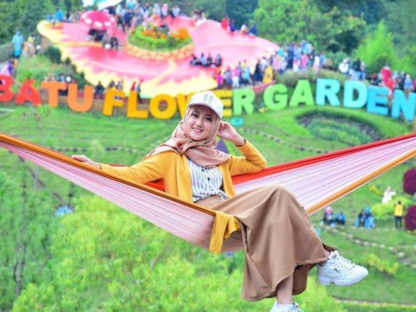 Berubah Jadi Batu Flower Garden, Air Terjun Coban Rais Semakin Ramai Pengunjung