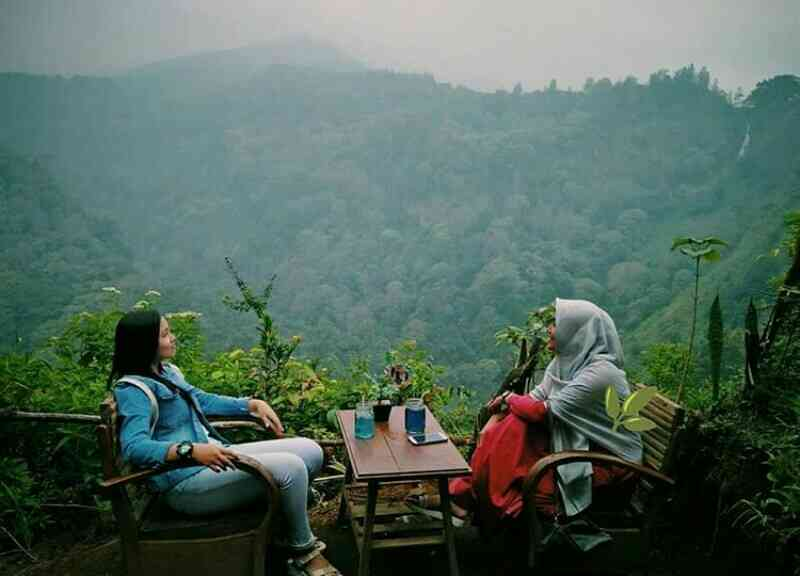 Wisata Panorama Petung Sewu dengan pemandangan alam bukit yang menyejukkan mata