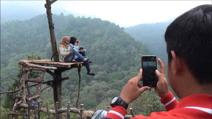 wisata panorama petung sewu memiliki banyak spot foto menarik